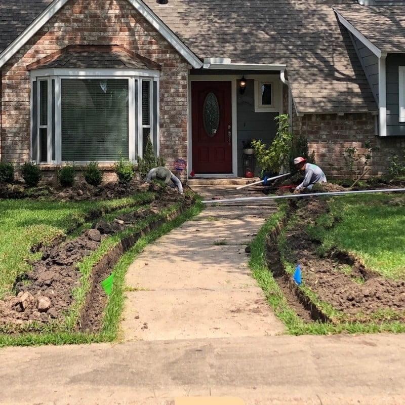 Trenching Lawn Sprinkler 77024