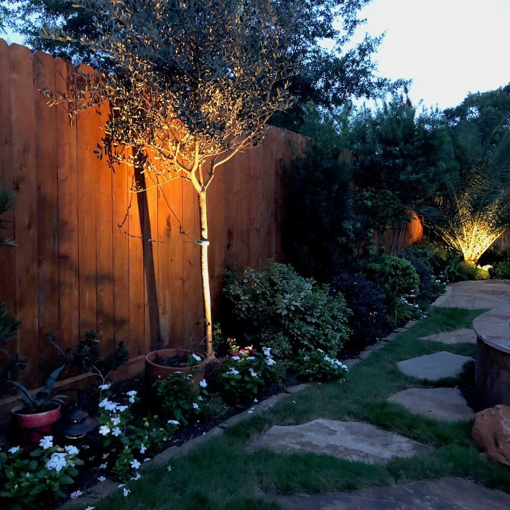 back yard landscape outdoor lighting Houston