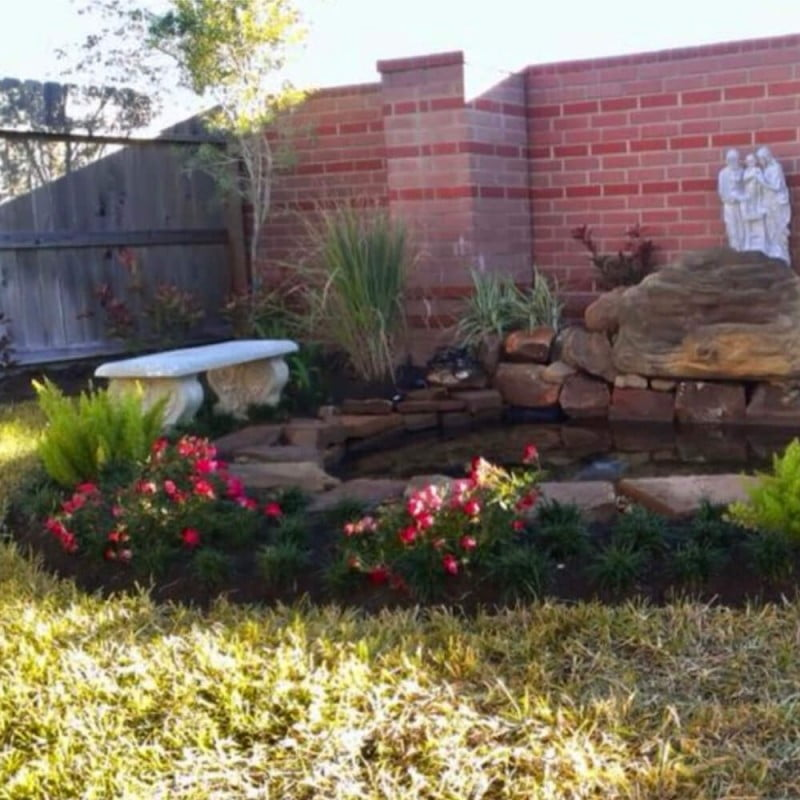 back yard koi fish pond fountain
