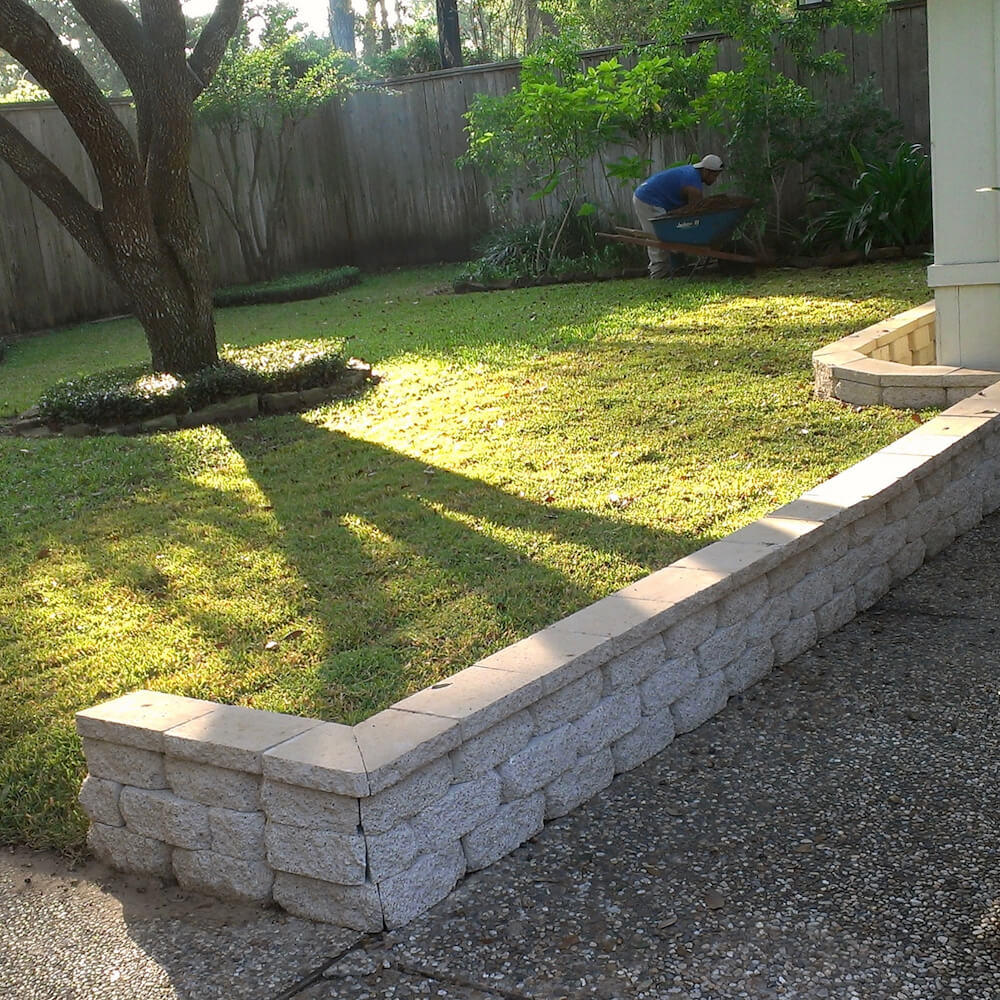 back yardvpaver retaining wall 77042