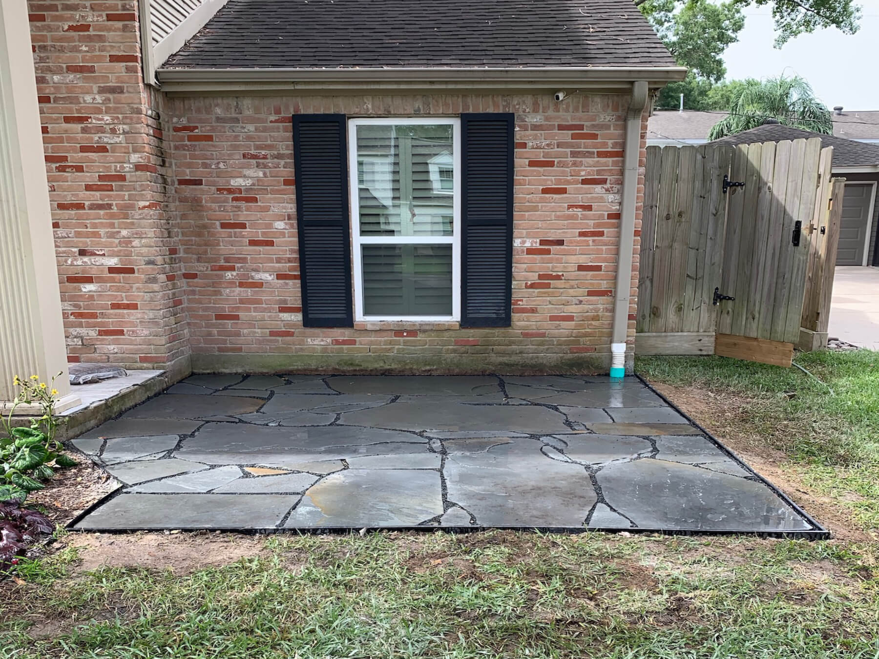 Houston-flagstone-patio-77077